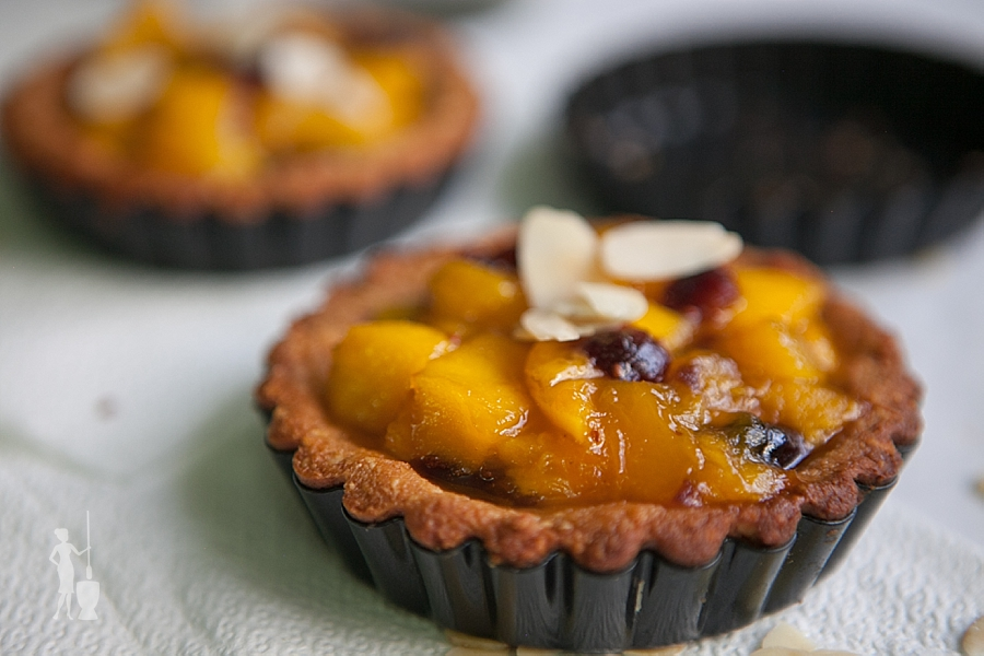 Mango tarts for dessert
